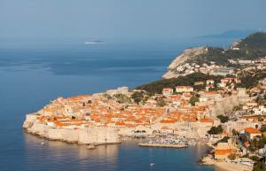 Casco_viejo_de_Dubrovnik,_Croacia,_2014-04-14,_DD_07[1]