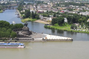 img37613-Koblenz-Hostel-City-and-River-View[1]